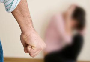 Что делать если пьяный муж бьет